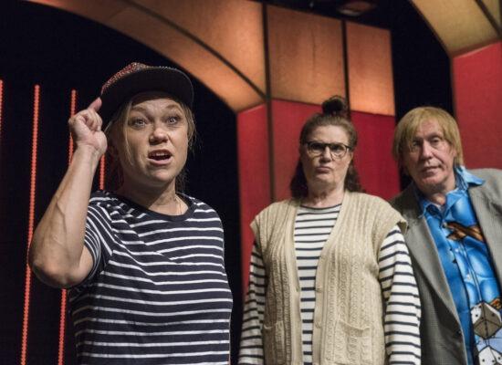 Græsted Revyen 2019 - Pressebillede - Sofie Sougaard, Tine Gylling Mortensen, René Richard